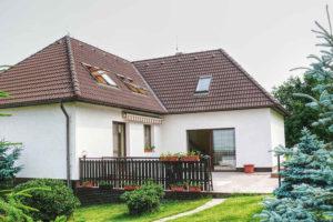 anhydritové podlahy nebo betonové podlahy-dům před rekonstrukcí
