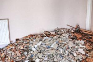 anhydritové podlahy nebo betonové podlahy-dům při rekonstrukci
